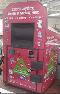 Recycling bank for items with a plug, a battery or a charger.